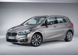 BMW-2-Series_Active_Tourer_2015_800x600_wallpaper_ad
